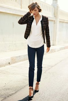 Karlie Kloss for Next Fall Winter 2013 - longer shirt with shorter blazer Womens Fashion Casual Summer, Womens Fashion For Work, Karlie Kloss, Classic Style Women, Mode Vintage, Fashion Over 50, Fashion Outfits, Fashion Shoes, Women's Fashion