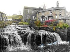 Hawes, Yorkshire Dales.  Have stayed in the cottage far right of the block of buildings!