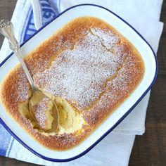 Herlig og lettvint sitrondessert Dessert Cake Recipes, Pudding Desserts, Norwegian Food, Norwegian Recipes, No Bake Treats, Lemon Curd, Sweet Cakes, Frisk, Sweet Recipes