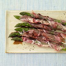 1 PPV - Prosciutto-Wrapped Asparagus Finger food at its finest: So simple to prepare and such a tasty combination. ,