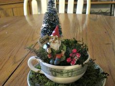 Create your own Winter Wonderland in a teacup. www.GardenChick.com #TheGardenCharmers