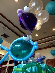 How adorable are these balloon fish? How adorable are these balloon fish? Little Mermaid Birthday, Little Mermaid Parties, Under The Sea Theme, Under The Sea Party, Deco Theme Marin, Sculpture Ballon, Balloon Fish, Easy Balloon Animals, Festa Party