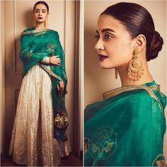 Best Trendy Outfits Part 26 Red Lehenga, Lehenga Choli, Anarkali, Sabyasachi, Bridal Lehenga, Indian Wedding Outfits, Indian Outfits, Indian Attire, Indian Wear