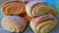 Vynikajúce sladké pečivo plnené krémom podľa receptu z youtube, ktoré chutí ako skutočný dezert! Nadýchané cesto a lahodný krém ho posunuli na vyššiu úroveň!Potrebujeme:Na cesto:500 - 600 g hladkej múky100 g kryštálového cukru10 g vanilkového … Sweet Buns, Home Bakery, Pretzel Bites, Doughnut, Sausage, Sweet Tooth, Rolls, Bread, Snacks