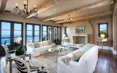 43 Gorgeous and inspiring interiors by Meridith Baer Home - Liked @ www.homescapes-sd.com #homescapes #staging #white #living #room #contemporary #design