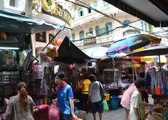 Central Chinese Housing area when Shopping at Sampeng Market in Little India (Phahurat Road) Bangkok, Southeast Asia. For full blog on Sampeng market check here: http://live-less-ordinary.com/living-in-bangkok/sampeng-market-bangkok-little-india