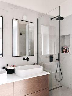 56 sensational small bathroom ideas on a budget 1 - Badezimmer - Bathroom Decor Apartment Bathroom Design, Modern Bathroom Design, Bathroom Interior Design, Diy Interior, Design Kitchen, Bathroom Designs, Scandinavian Bathroom Design Ideas, Contemporary Bathrooms, Interior Decorating