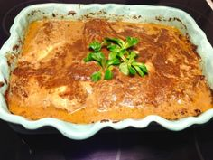 Kycklingfilé i form med gräddig konjakssås Whisky, Lasagna, Chicken Recipes, French Toast, Bacon, Turkey, Food And Drink, Dinner, Cooking