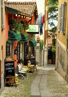 Charming street scene in Bellagio on Como Lake #Italy #travel