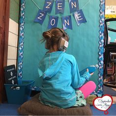 Create your own Zen Zone or a Calm Corner for positive behavior in the elementary school classroom! Can't wait to try this! Calm Classroom, Space Classroom, Classroom Behavior, Classroom Environment, Kindergarten Classroom, Future Classroom, School Classroom, Classroom Decor, Classroom Organization