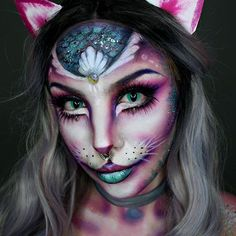 Insane Halloween Makeup Ideas to Try This Year cat Fox Makeup, Face Paint Makeup, Makeup Art, Makeup Ideas, Animal Makeup, Amazing Halloween Makeup, Halloween Looks, Halloween Face Makeup, Halloween Horror