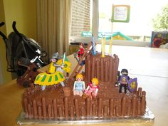 Fort Cake Projects For Kids, Birthday Cake, Girls, Desserts, Food, Kid Projects, Tailgate Desserts, Birthday Cakes, Meal
