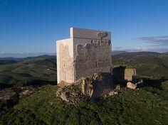 Реконструкция средневекового замка в Испании