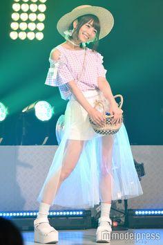 乃木坂46北野日奈子が初めてランウェイをウォーキング(C)モデルプレス