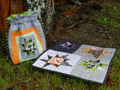 Halloween mini quilt - Fright Night and coordinating lined drawstring bag.