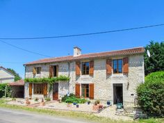 This 4 bedroom house is situated in a quiet hamlet between Usson du Poitou and L'Isle Joudain, both villages have shops, bars, restaurants, etc but L'Isle Jo. Poitou Charentes France, Houses In France, French Property, 4 Bedroom House, Restaurants, Shops, Mansions, House Styles, Outdoor Decor