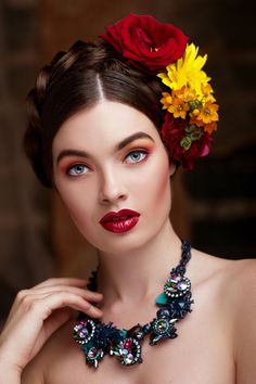La Femme Fleur — marianna by Victoria Khvostova on Mexican Fashion, Mexican Style, Mexican Makeup, Mexican Hairstyles, Pinterest Makeup, Floral Headpiece, Foto Art, Floral Fashion, Floral Style