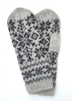 "- Mitten ""Winter"" - Gloves, mitts, wrist warmers and leg warmers - Woollen garments - Womens Clothing Knitted Mittens Pattern, Crochet Gloves, Knitted Slippers, Knit Mittens, Knitting Socks, Hand Knitting, Wrist Warmers, Hand Warmers, Knitting Stitches"