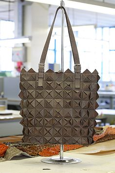 the genuine Ostrich flower bag  #vialamoda www.vialamoda.com