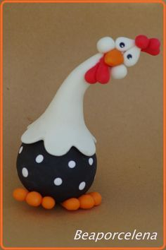 hen fimo - Projects to Try - Keramische Kunst Polymer Clay Animals, Fimo Clay, Polymer Clay Projects, Polymer Clay Creations, Chicken Crafts, Chicken Art, Funny Chicken, Clay Birds, Fondant Animals