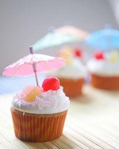 Pina Colada Cupcakes Recipe, baking, daily blog, cupcake recipes http://www.teacher-chef.com/2014/05/19/pina-colada-cupcakes/