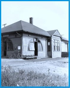 COURTRIGHT, Ontario - New York Central RR depot - p1943 NYC photo