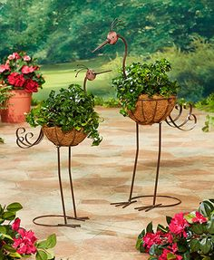 Instantly make a statement in your garden with a Set of 2 Crane Planters. Each planter features a liner basket made of coconut fibers, a perfect bed for any pla
