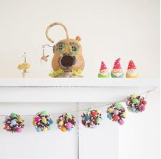 Sugarplum Christmas Pine Cone Garland :: DIY Tutorial - The Magic Onions Pinecone Crafts Kids, Pine Cone Crafts, Christmas Crafts For Kids, Diy Christmas Gifts, Holiday Crafts, Christmas Ideas, Natural Christmas, Christmas Countdown, Kid Crafts