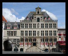 Stadhuis Bergen op Zoom by iRies, via Flickr