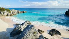 Bermuda is one of the most beautiful countries in the world. Chockablock with brightly colored buildings, pristine lawns, and some of the most stunning beaches ever, it's truly paradise. The caveat...