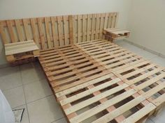 New DIY Pallet Projects and Ideas on a budget Diy Pallet Bed, Diy Pallet Furniture, Diy Pallet Projects, Diy Bed, Home Projects, Bed Pallets, Pallet Sofa, Cheap Furniture, Furniture Ideas