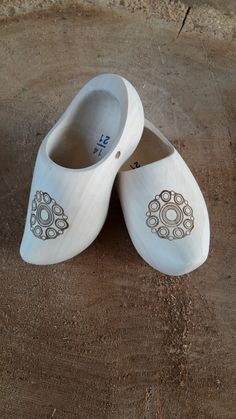 Zeeuwse knopklompen Slip On, Sneakers, Shoes, Fashion, Tennis, Moda, Slippers, Zapatos, Shoes Outlet