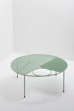 A destination for the lovers of fashion, interior styling, and design. Deco Furniture, Metal Furniture, Handmade Furniture, Cool Furniture, Modern Furniture, Furniture Design, Outdoor Furniture, Inspiration Design, Interior Decorating