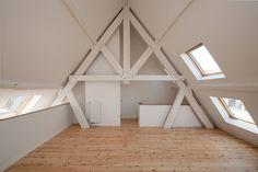 Cheval Noir Housing with Artist s Studios   L Escaut + Atelier Gigogne 441833069f