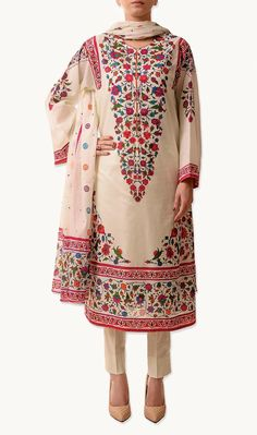 Latest Printed Lawn Outfits Wear Collection 2015 For Young Girls By Bareeze