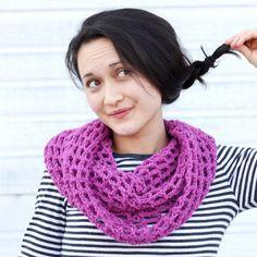 Mesh cowl scarf FREE crochet pattern!