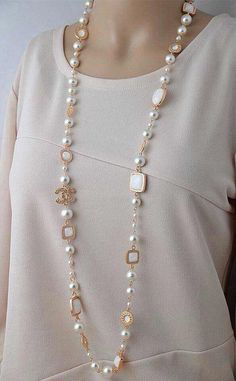 Chanel pearl long necklace very elegant - Pearl Jewelry Long Pearl Necklaces, Dainty Necklace, Pearl Jewelry, Beaded Jewelry, Fine Jewelry, Jewelry Necklaces, Handmade Jewelry, Jewellery, Gold Bracelets