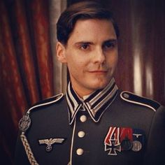 Daniel Bruhl - Hello Mein Engel!   Sorry I have not pinned for a while but so busy - not for lack of love - can't wait for Face of An Angel!