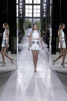 Sfilata Balenciaga Paris - Collezioni Primavera Estate 2014 - Vogue