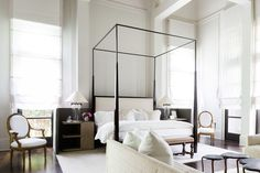 Design by the Chad James Group. Photo by Alyssa Rosenheck. From Elle Decor.