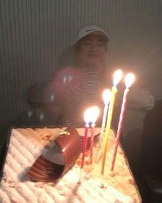 Taehyung's Hwarang friends for his birthday Foto Bts, Bts Photo, Park Hyung Sik, Daegu, K Pop, V Bts Cute, Park Seo Joon, Loli Kawaii, V Bts Wallpaper