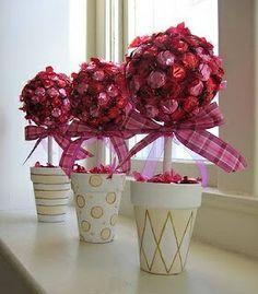 Centerpiece topiaries for Valentine wedding