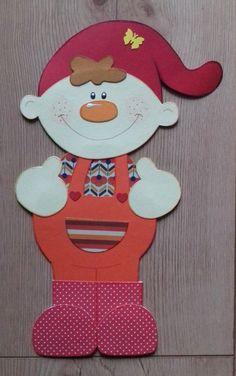 FENSTERBILD aus Tonkarton Frühling Gartenzwerg Frühlingswichtel - EUR 1,00. schönes hand gefertigtes Fensterbild aus Tonkarton beidseitig gleich bearbeitet. Neu ca. 25 cm groß Privatverkauf aus tierfreien Nichtraucherhaushalt. Ohne Garantie, Gewährleistung oder Rücknahme. 253425311216 Rock Crafts, Fall Crafts, Diy And Crafts, Paper Cards, Diy Paper, Hand Crafts For Kids, Metallic Bag, School Decorations, Spring Is Coming