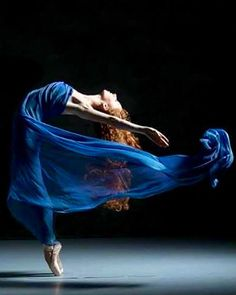 Dance Pose - Would love to see dancers as models wearing dancing heels recreating some of these poses in long dazzled gowns..maybe a 4-6 page spread in the Sept. Issue of Vogue