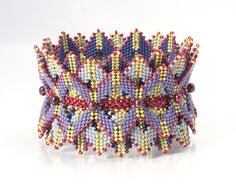 https://flic.kr/p/nPZm82 | Layered Triangles Bead Bracelet
