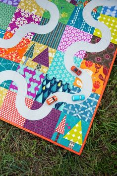 The Appliqued Curves Method- New Quilts & A Tutorial