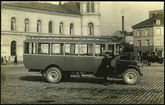 Kristiania (Oslo) Buss utenfor Vestbanestasjonen. 1920-tallet