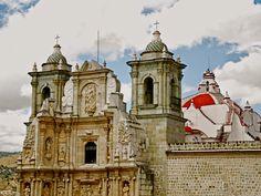 Oaxaca, sitios turísticos y culturales: http://www.viveoaxaca.org/p/sitios-turisticos.html