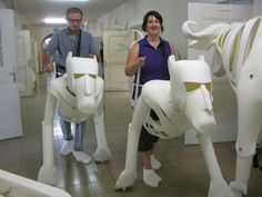 need to figure how to do this at home Roger Titley's Creatures, Puppets & Live Performances Puppet Costume, Marionette Puppet, Puppet Making, Prop Making, Full Body Puppets, Lion King Jr, Dragon Puppet, Grandeur Nature, Puppet Patterns