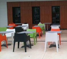Mobilier restaurant bar terrasse fauteuil Coccolona